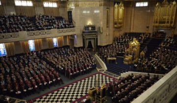 How to become a freemason and its benefits?